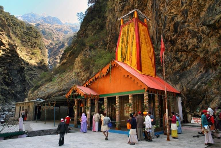 बड़कोट का प्रसिद्ध मंदिर यमुनोत्री मंदिर