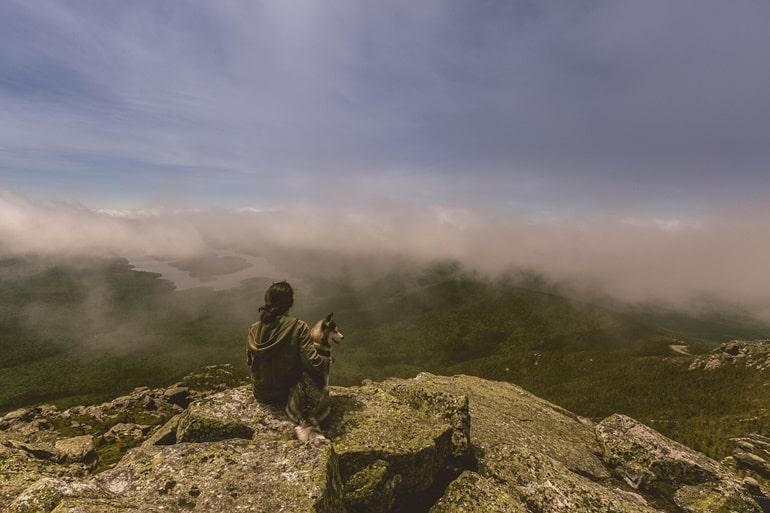 कैंडी का पर्यटन स्थल हन्थाना पर्वत श्रृंखला कैंडी