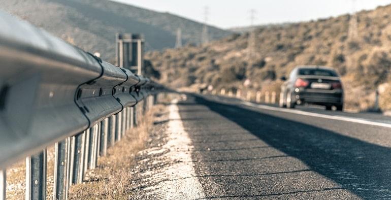सड़क मार्ग से डीग पैलेस कैसे पहुंचे