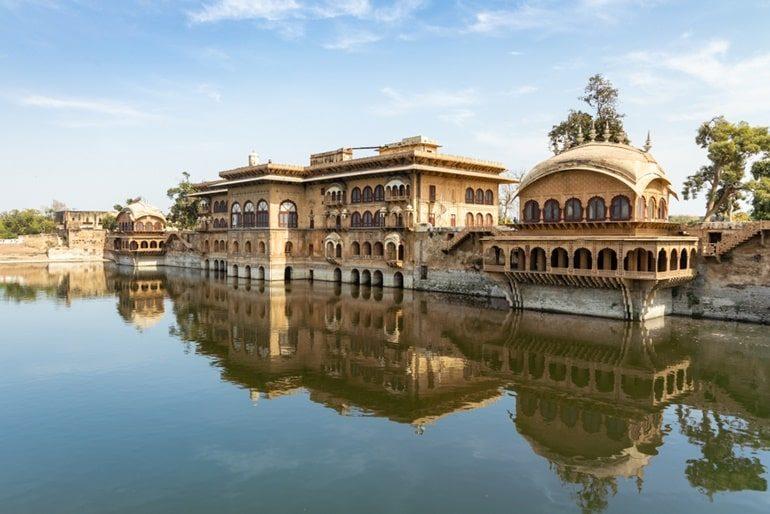 डीग पैलेस घूमने की जानकारी और इसके पर्यटन स्थल - Deeg Palace In Hindi