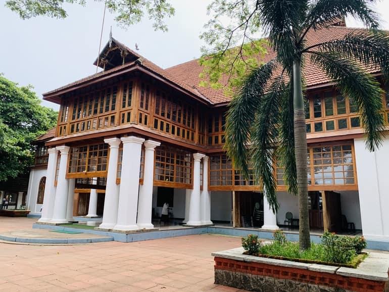 कोच्चि का ऐतिहासिक स्थल बोलगटी पैलेस - Kochi Ki Historical Place Bolgatty Palace In Hindi