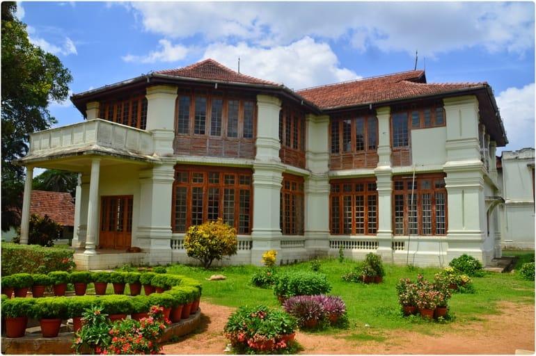 कोच्चि में घूमने लायक ऐतिहासिक स्थान हिल पैलेस - Kochi Mein Ghumne Layak Aetihasik Sthan Hill Palace In Hindi