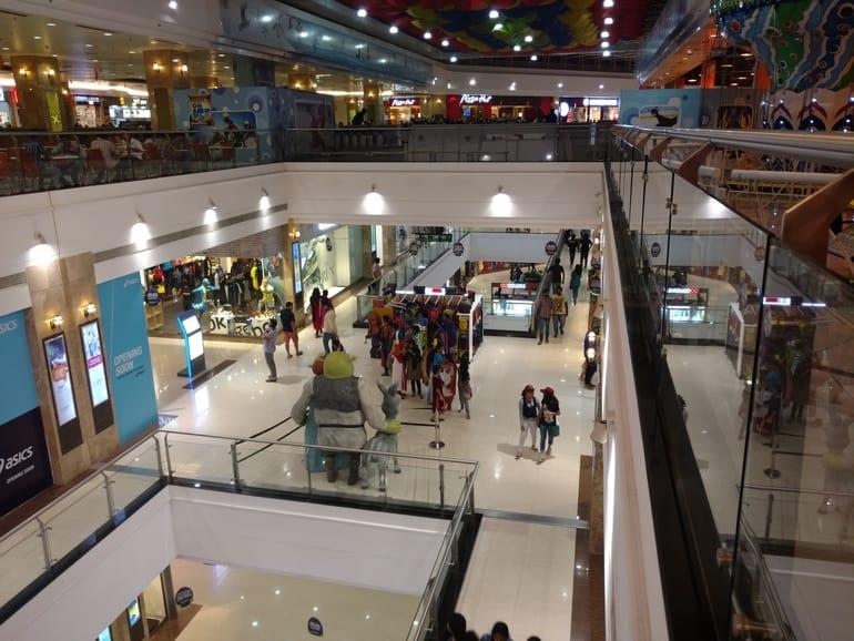 कोच्चि का आकर्षण स्थल लुलु मॉल - Kochi Ka Aakarshan Sthal Lulu Mall In Hindi