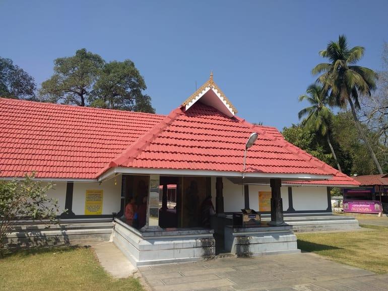 कोच्चि का प्रसिद्ध मंदिर थिरिक्कारा वामनमूर्ति मंदिर - Kochi Ka Prasidh Mandir Thirikkakara Vamanamoorthy Temple In Hindi
