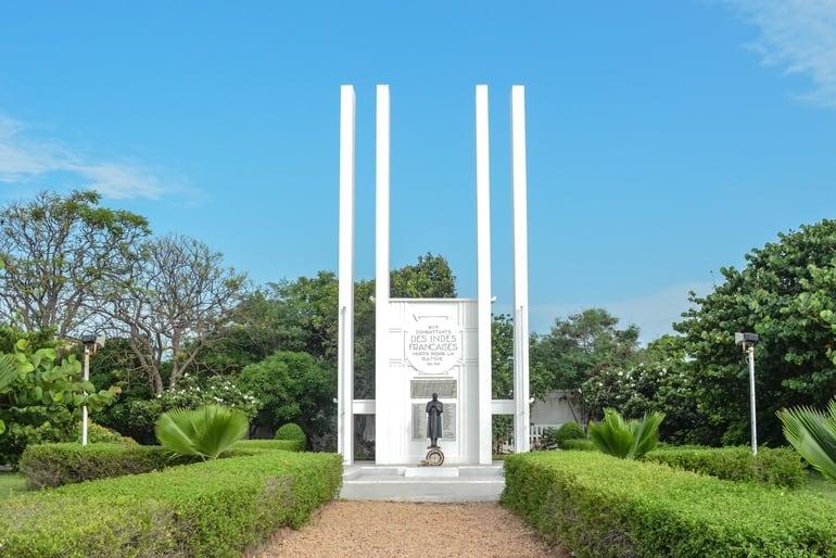 पांडिचेरी का प्रमुख दर्शनीय स्थल फ्रांसीसी युद्ध स्मारक - Pondicherry Ka Pramukh Darshaniya Sthal French War Memorial In Hindi