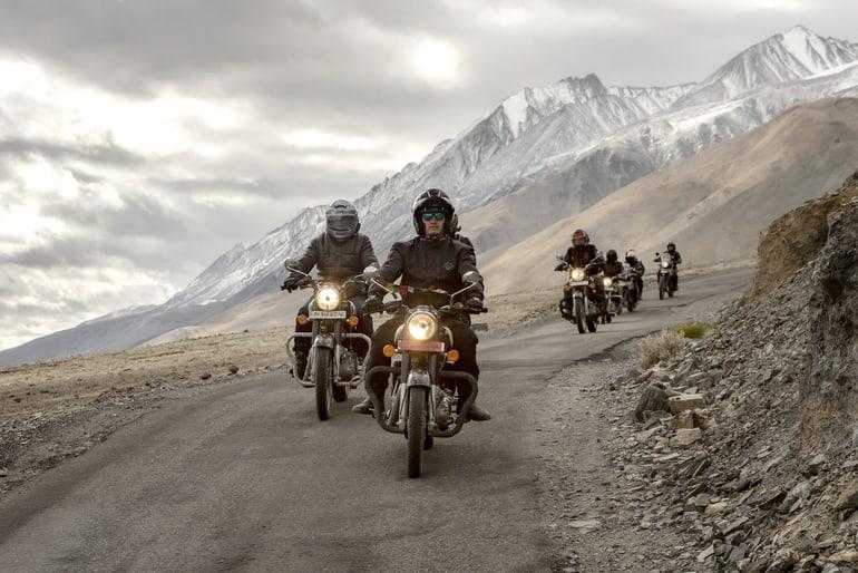 अपनी खुद की कार / मोटरबाइक से भूटान कैसे पहुचें – How To Travel To Bhutan By Motorcycle In Hindi