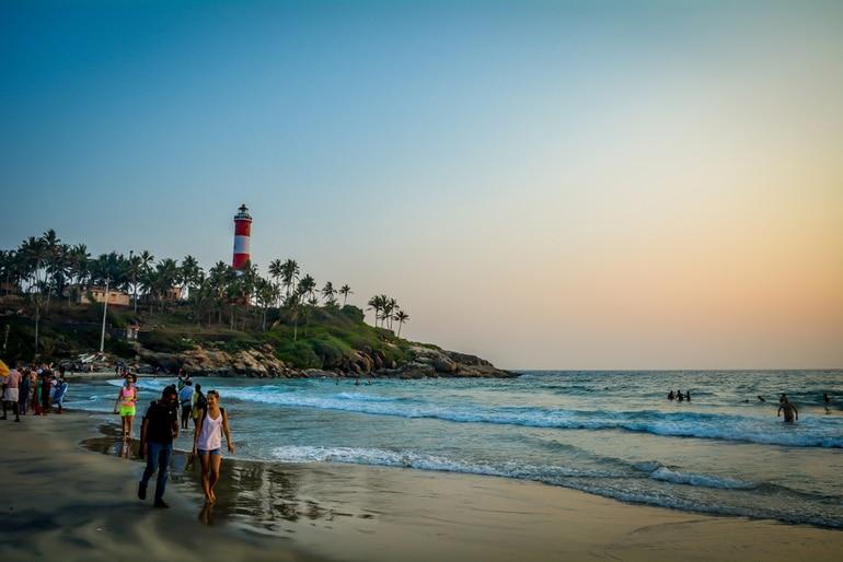 कोच्चि टूरिज्म में घूमने के लिए अच्छी जगह चेराई बीच - Kochi Tourism Me Ghumne Ke Liye Achi Jagah Cherai Beach In Hindi