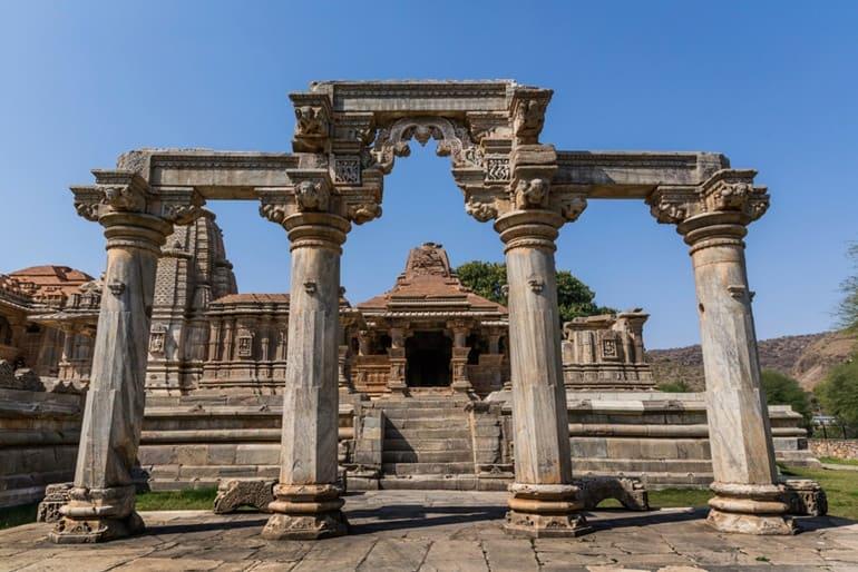 सास बहू मंदिर उदयपुर घूमने की जानकरी - Sahastra Bahu ...
