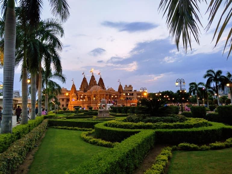 स्वामीनारायण मंदिर जयपुर