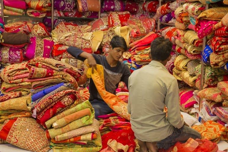 जयपुर बाज़ार से खरीददारी