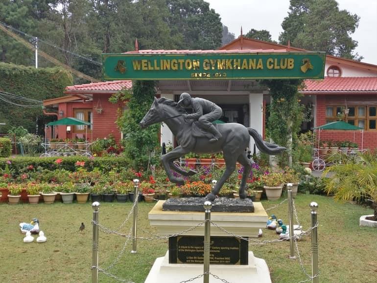 कुन्नूर में देखने लायक प्राचीन जगह वेलिंगटन गोल्फ कोर्स - Coonoor Me Dekhne Layak Prachin Jagah Wellington Golf Course In Hindi