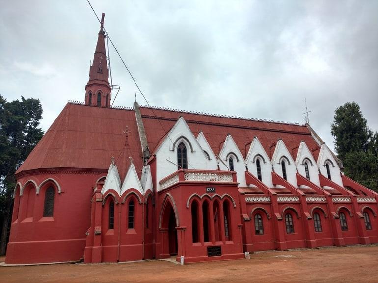 कुन्नूर का पर्यटन स्थल सेंट जॉर्ज चर्च - Coonoor Ka Paryatan Sthal St George's Church In Hindi