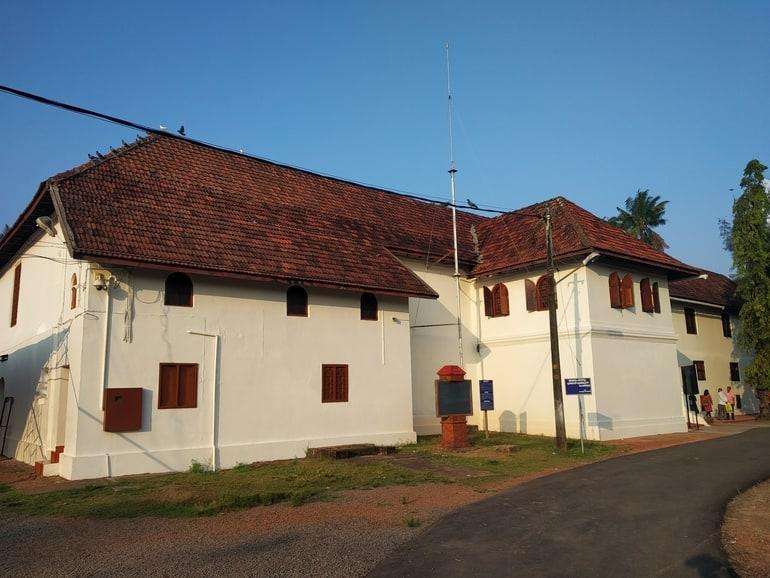 कोच्चि का आकर्षण स्थल मट्टनचेरी पैलेस - Kochi Ka Aakarshan Sthal Mattancherry Palace In Hindi