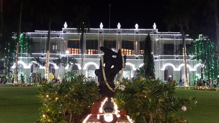 पांडिचेरी का आकर्षण स्थल राज निवास - Pondicherry Ka Aakarshan Sthal Raj Niwas In Hindi