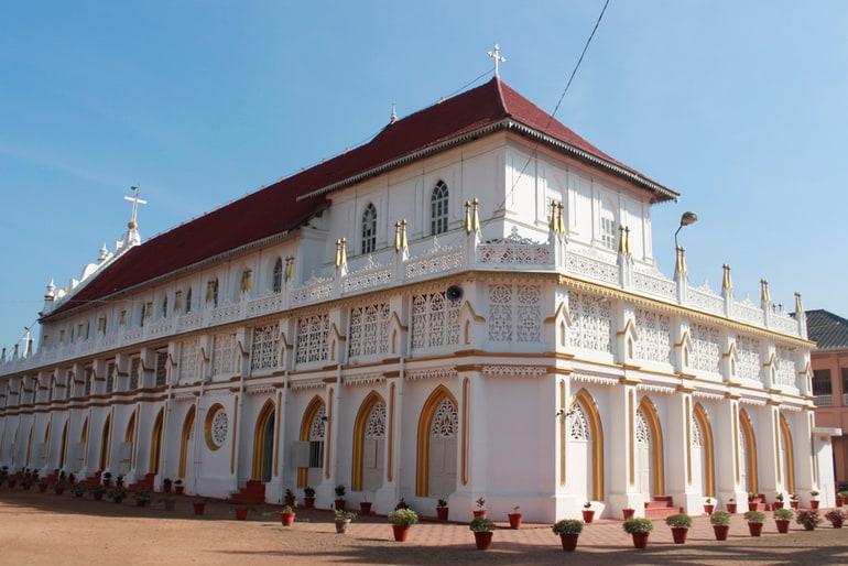 आलप्पुषा़ का प्रसिद्ध दर्शनीय स्थल एडथुआ चर्च - Alappuzha Ka Prasidh Darshaniya Sthal Edathua Church In Hindi