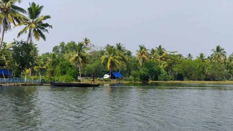 अल्लेप्पी पर्यटन घूमने की खुबसूरत जगह पल्लिपुरम गाँव - Alleppey Paryatan Ghumne Ki Khubsurat Jagah Pallippuram In Hindi