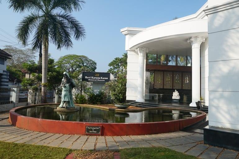अल्लेप्पी का दर्शनीय स्थल रेवी करुणाकरण संग्रहालय - Alleppey Ka Darshaniya Sthal Revi Karunakaran Museum In Hindi