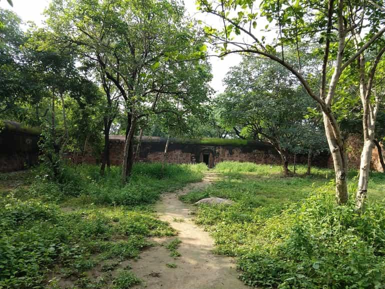 दिल्ली में घूमने के लिए हॉन्टेड स्थान भूली भटियारी का महल – Dilli Me Ghumne Ke Liye Haunted Sthan Bhuli Bhatiyari Ka Mahal In Hindi