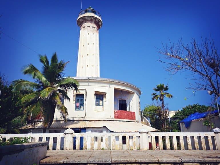 पांडिचेरी टूरिज्म में देखने वाली खुबसूरत जगह पांडिचेरी लाइटहाउस - Pondicherry Tourism Me Dekhne Wali Khubsurat Jagah Pondicherry Lighthouse In Hindi