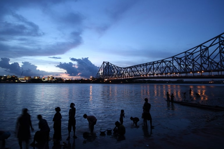 Best Time To Visit Howrah Bridge In Hindi