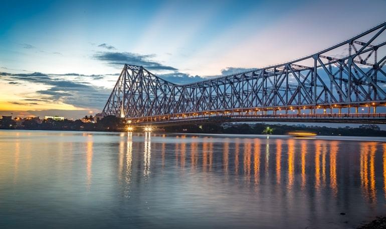 कोलकाता का प्रसिद्ध हावड़ा ब्रिज घूमने की जानकारी - Howrah Bridge  Information In Hindi