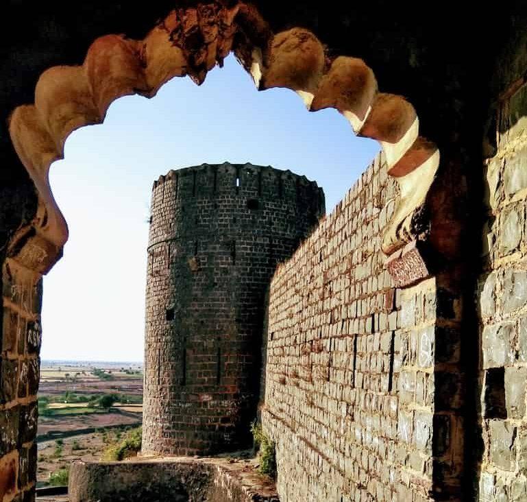 गुगोर किला का इतिहास – Gugor Fort History In Hindi