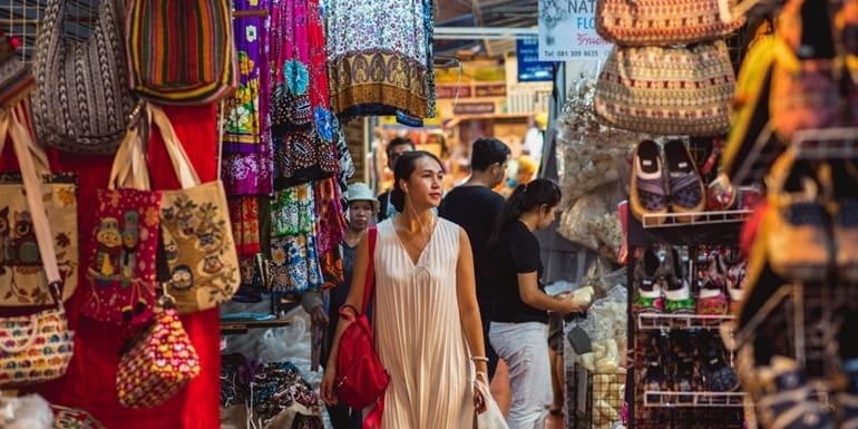 Siliguri Tourism Me Lokpriya Bazaar Hong Kong Market In Hindi
