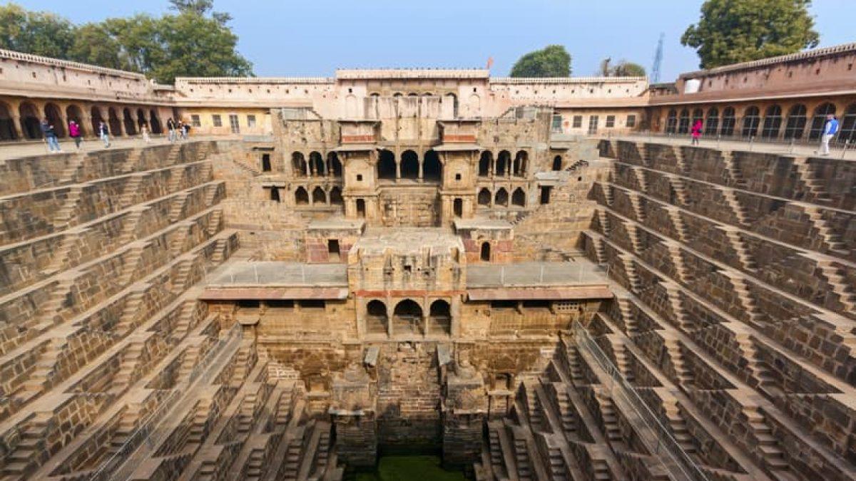 राजस्थान की प्रसिद्ध बावड़ीयां - Famous Stepwells of Rajasthan In Hindi -  Holidayrider.Com