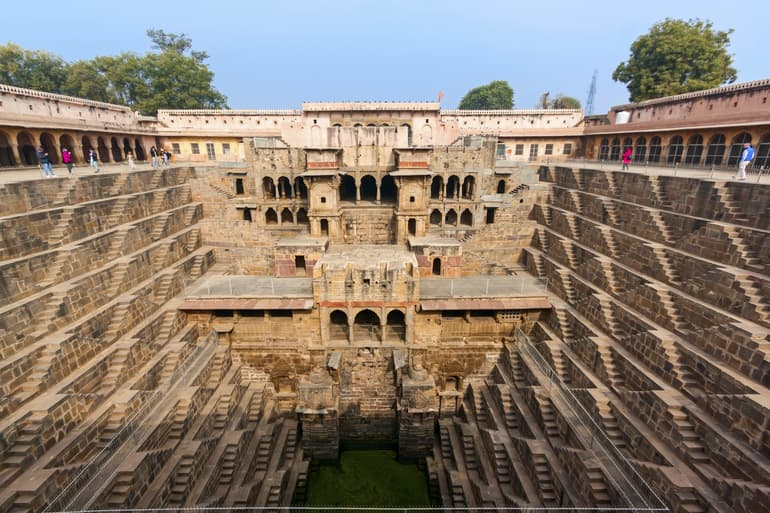 राजस्थान की प्रसिद्ध बावड़ीयां - Famous Stepwells of Rajasthan In Hindi