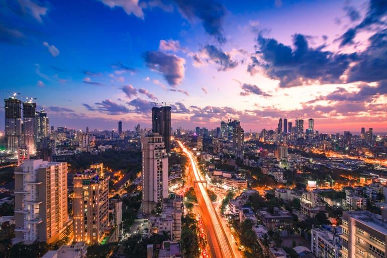 मुंबई में घूमने के लिए लोकप्रिय जगहें और मुंबई की यात्रा में करने के लिए चीजें - Things to Do in Mumbai in Hindi