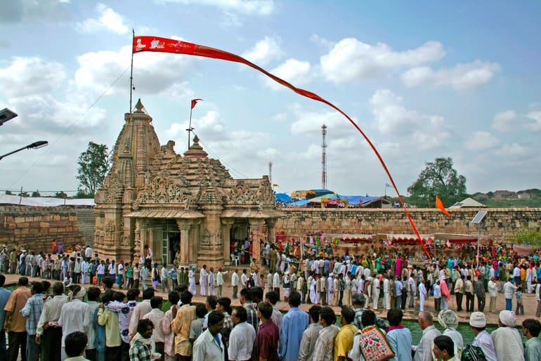 गुजरात के प्रमुख धार्मिक स्थल और प्रसिद्ध मंदिर – Religious places of Gujarat in Hindi