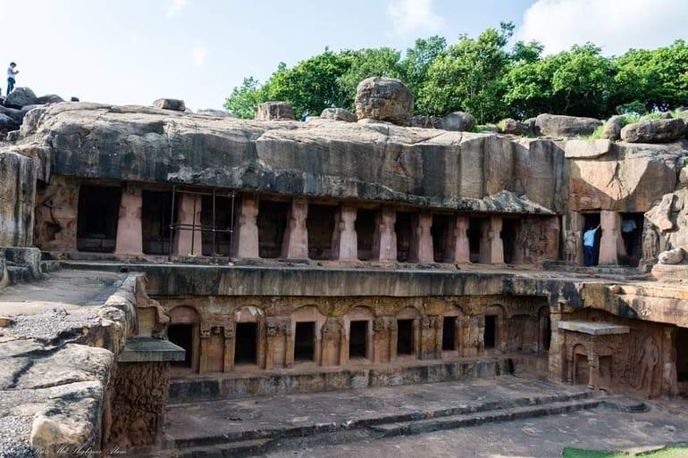 उदयगिरि गुफाएँ का इतिहास और यात्रा से जुड़ी जानकारी – Complete information about Udayagiri Caves in Hindi